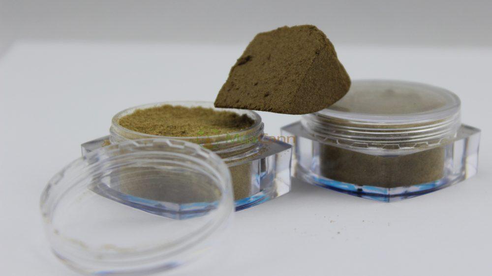CBD Indoor Pollinat – MediCann Rot – Super Lemon