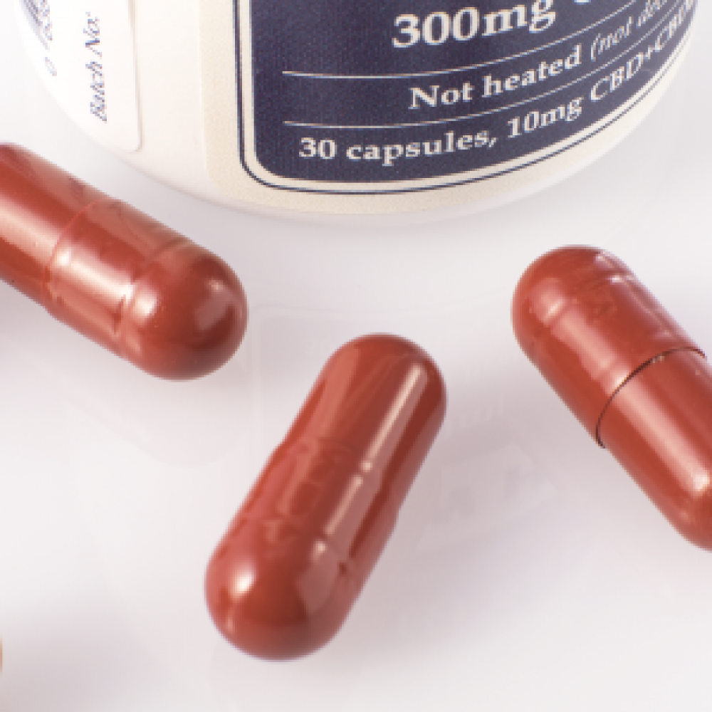 cbd oil 300mg capsules cbd & cbda endoca medicann