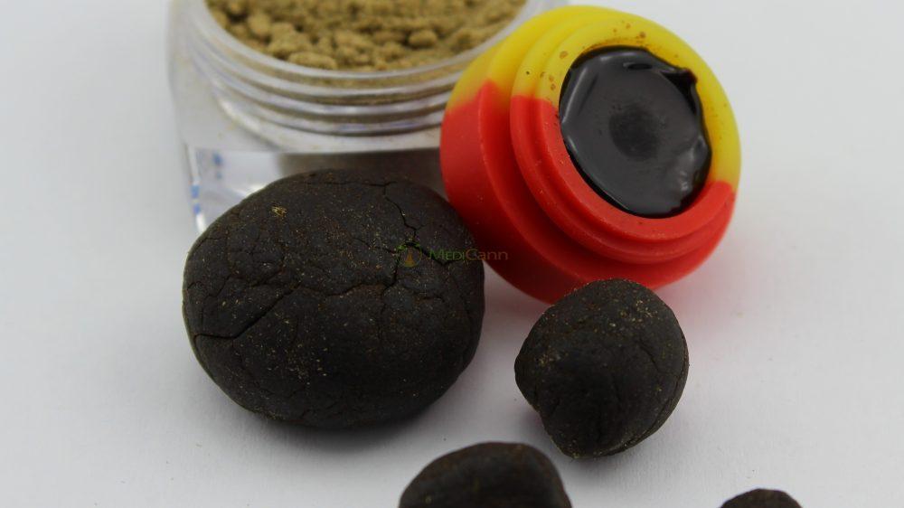 CBD Indoor Pollinat & Öl - MediCann Rot - Black Jack